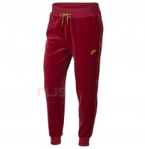 ДАМСКО ДОЛНИЩЕ NIKE NSW PANT VELOUR RED
